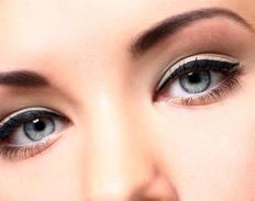 Augenbrauen- & Wimperndesign